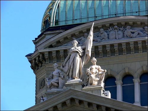Bern bundeshaus skulpturengruppe