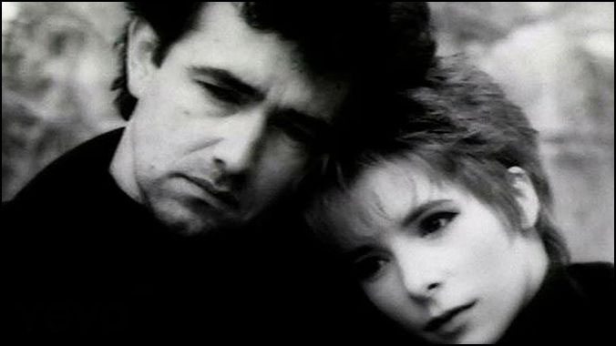 Mylene farmer regrets duo