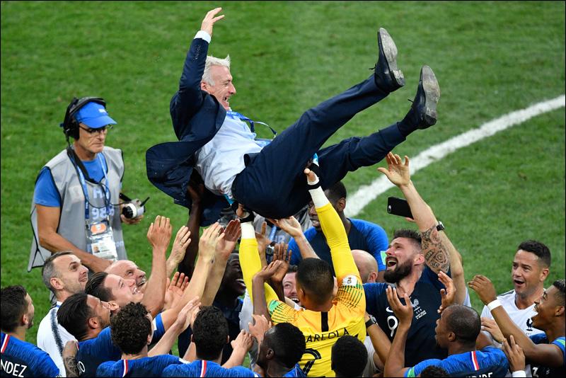 Selectionneur france didier deschamps coupe monde 15 juillet 2018 moscou 1