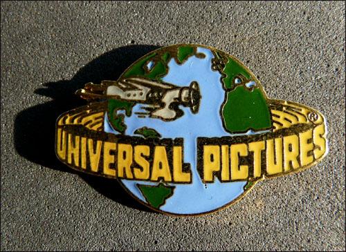 Universal pictures vert